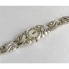 Часы женские на серебряном браслете бр-7110053